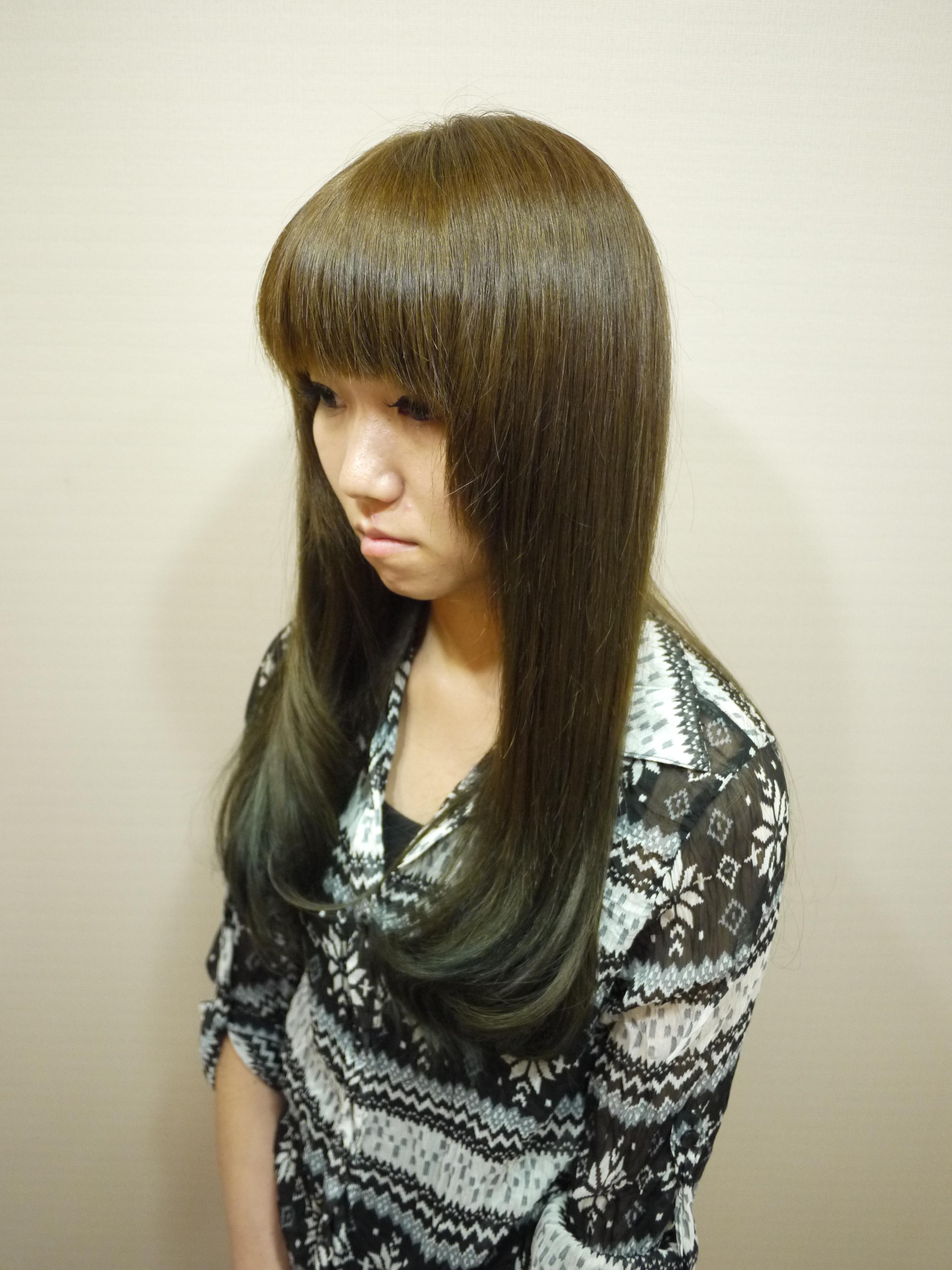 深闷青亚麻色头发图片_亚麻绿头发是什么颜色?最好有图片?-亚麻青的头发颜色图片