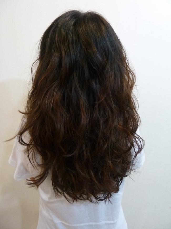 黑色直发梨花烫发型图片下载分享; 甜美时髦的卷发;